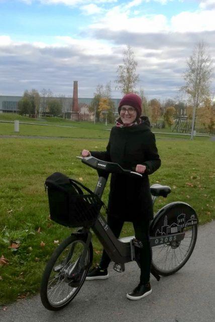 Lucie Čejková with the Tartu smart bike